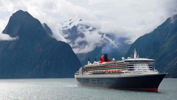Queen Mary 2 in New Zealand