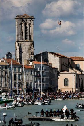 Gary Hunt diving at La Rochelle.