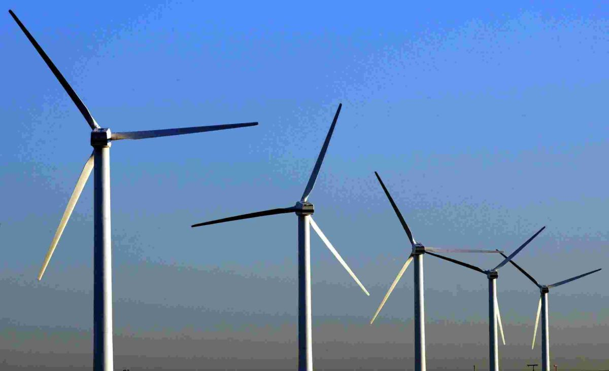 Giant wind farm plan off Hampshire coast moves step closer