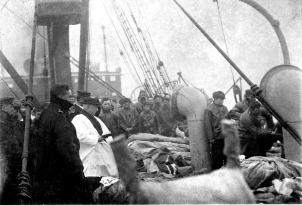 Daily Echo: The photograph showing the burial service at sea of Titanic victim William Peter Mayo from Southampton