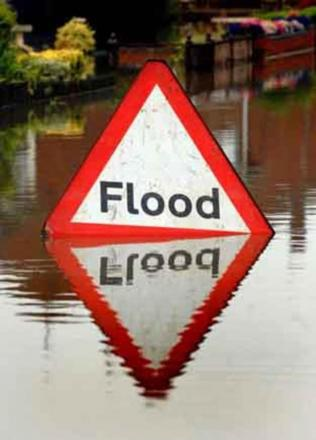 High spring tides spark flood alert