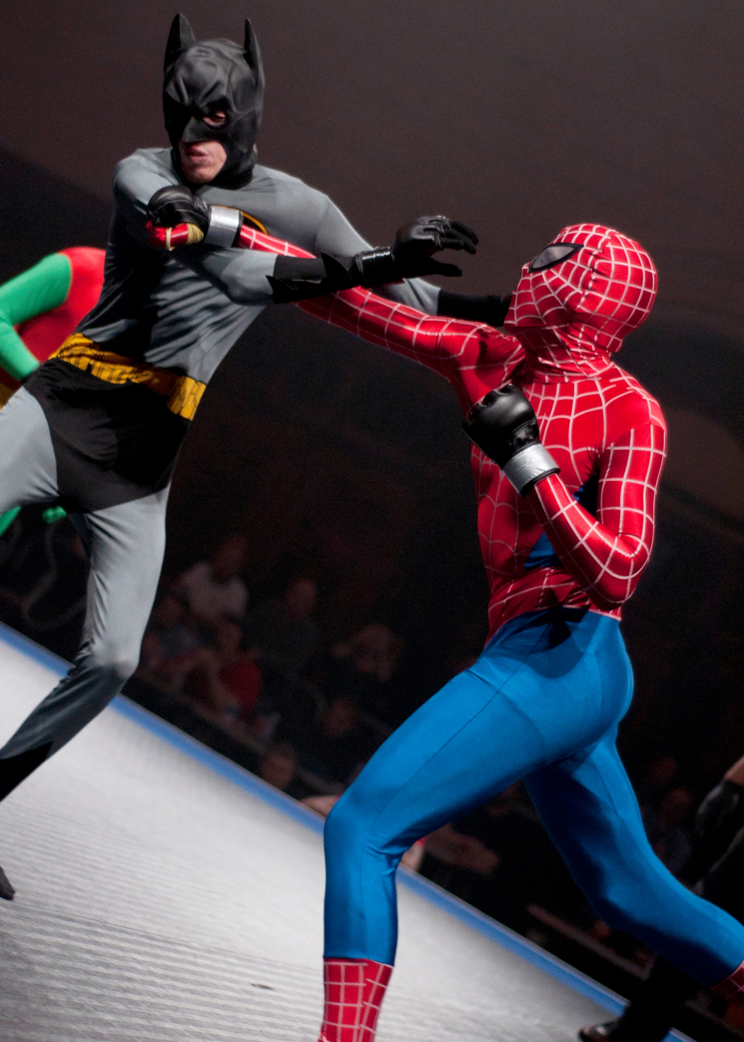 VIDEO: Bizarre fight between Spiderman and Batman in Southampton