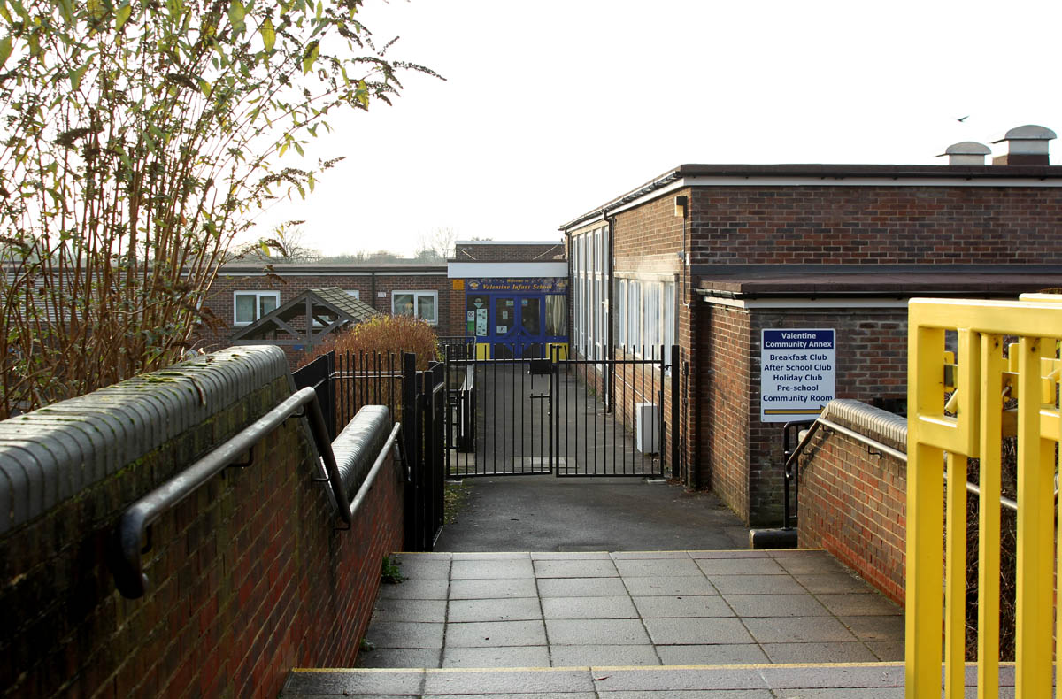 School 'loses' eight-year-old pupil