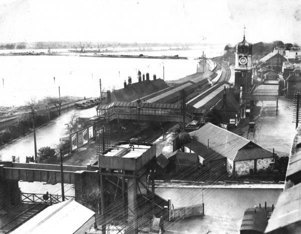Daily Echo: Southampton West Railway Station, before the land reclamation of West Bay