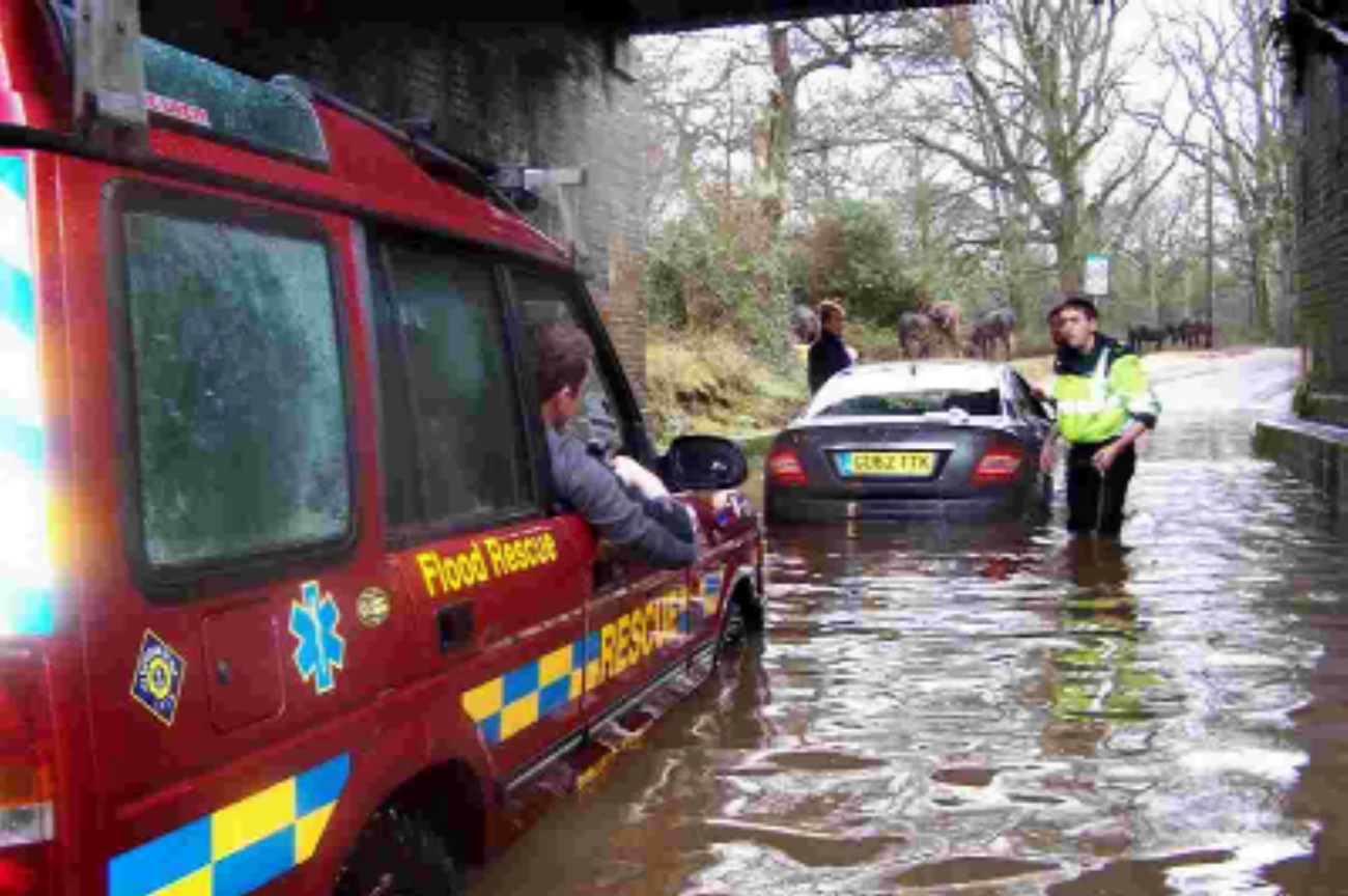 Flood rescue near Brockenhurst. Picture courtesy of the Young Explorers