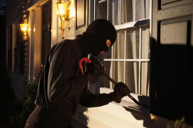 Daily Echo: Would-be burglars discovered by Southampton homeowner