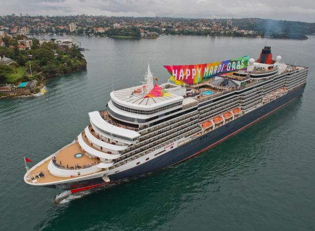 Queen Elizabeth sails into Sydney: Photo by James Morgan