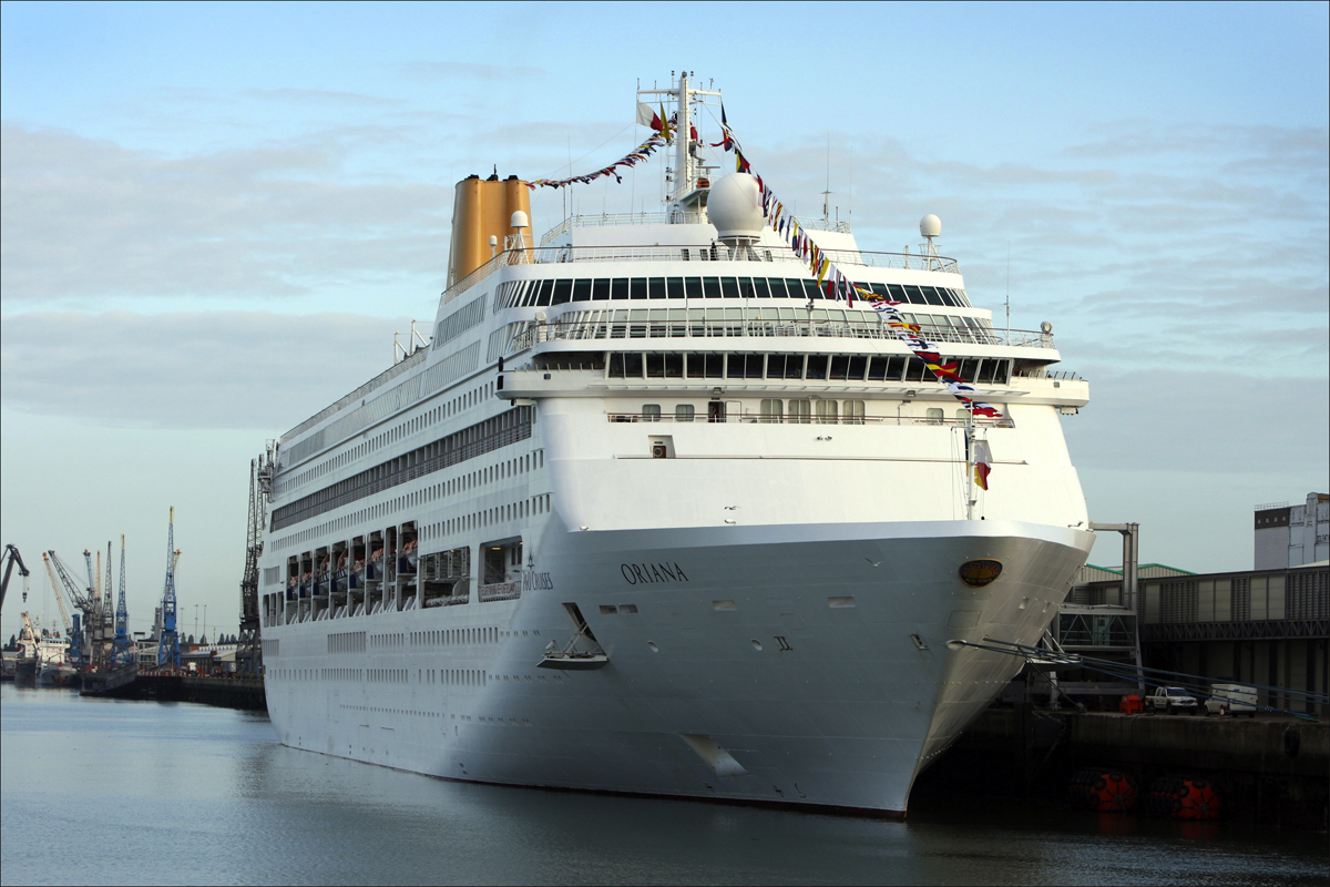 Now 'cursed' cruise ship hit by vomitiming bug