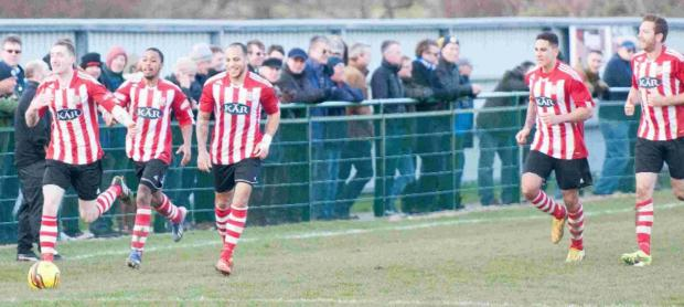 Daily Echo: Sholing celebrate a goal