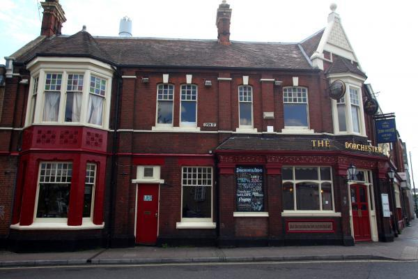 Pub to close after 'dossier of trouble'