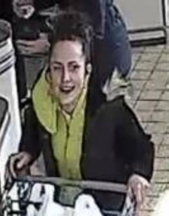 Purse and bank cards stolen from supermarket