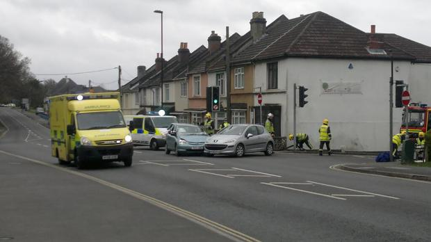 The scene of the crash at the junction of Coates Road and Bursledon Road. Photo by @TripleExpresso on Twitter