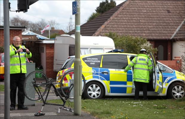 Daily Echo: Totton's Salisbury Road closed off following the incident involving a cyclist