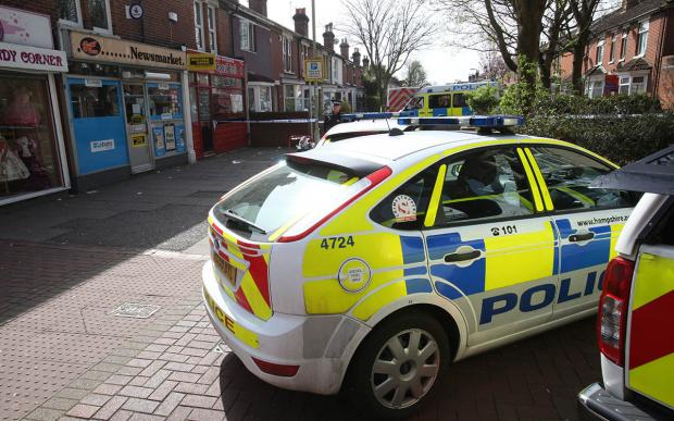 Murder police cordon off Eastleigh High Street