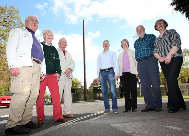 Residents unhappy to plans to make phone mast bigger