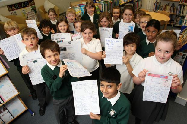 Newshounds - Shirley Junior School pupils with their news reports. Echo picture by Chris Moorhouse. Order no: 18253117