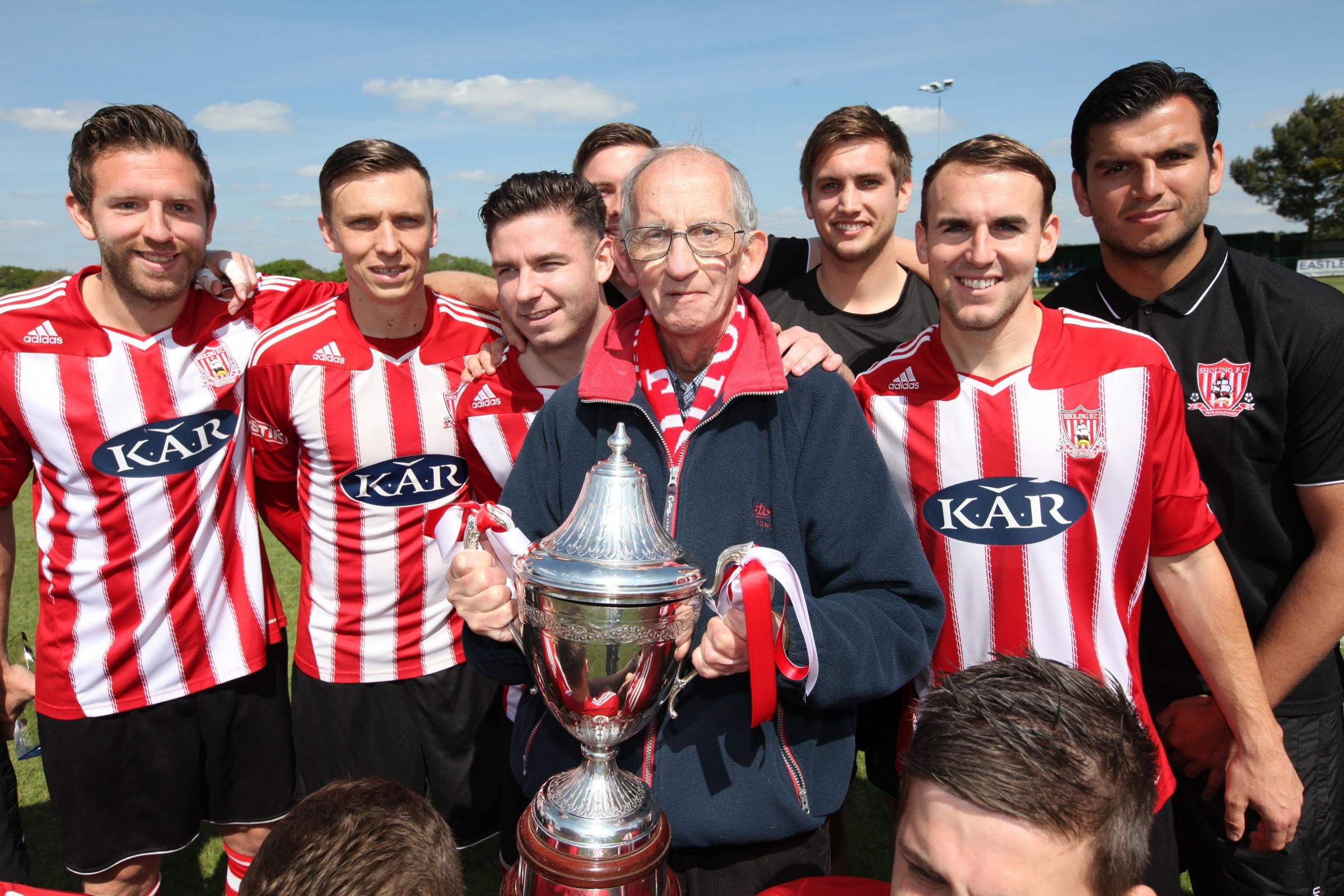 Sholing FC legends on their way to Wembley