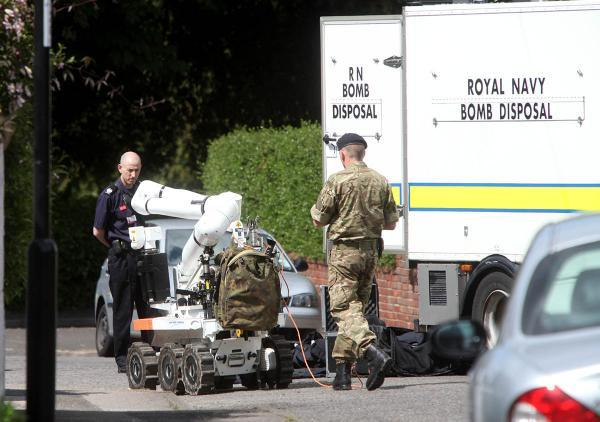 Bomb disposal team in Southampton, yesterday afternoon