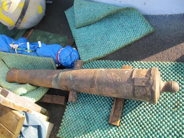 Daily Echo: A canon which was illegally taken from a shipwreck