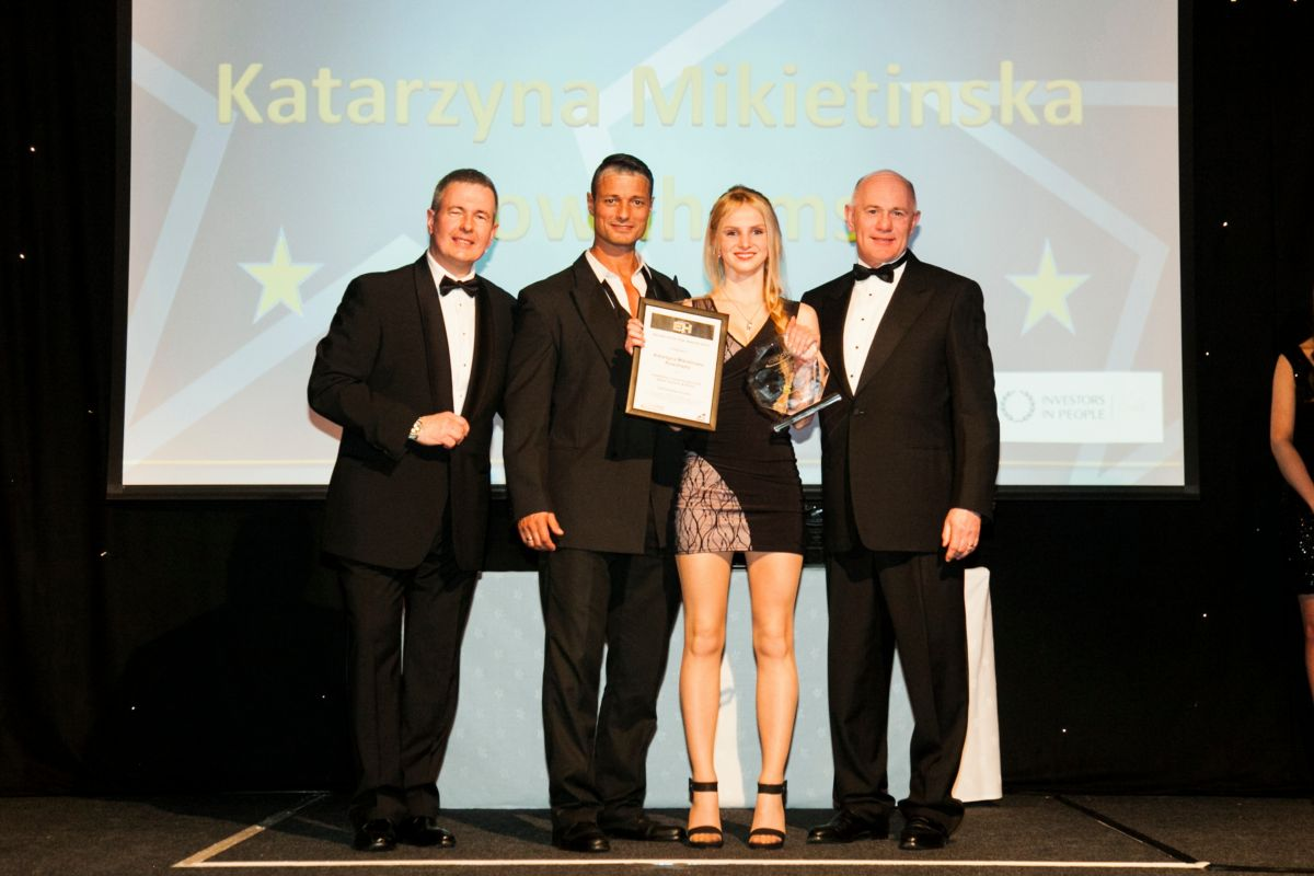 Katarzyna Mikietinska is presented with the Roadchef hero of the year