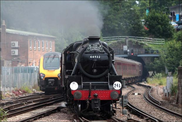 Video: Vintage steam train visits Southampton