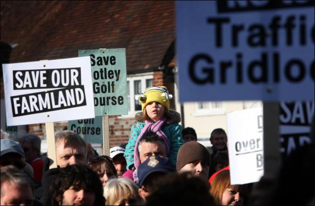 Protesters are fighting plans for 1,400 new homes near Botley.