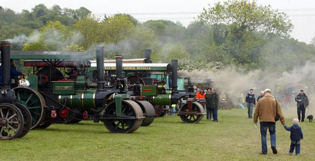 Thousands flock to memorial steam rally