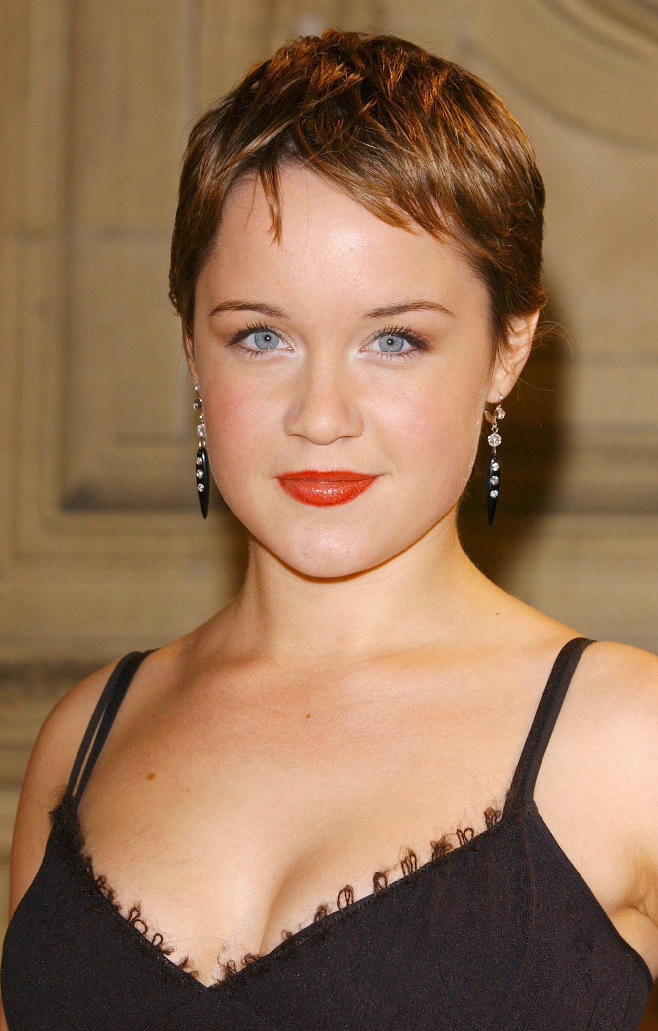 Dominic Zamprogna,Geri Halliwell Adult nude Jolene Anderson born May 26, 1980 (age 38),Hollyanne Leonard (it CAN 1 1999