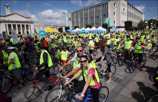 11,000 join Southampton Sky Ride