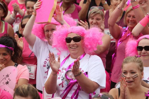 Thousand of runners turn Southampton pink in Race for Life