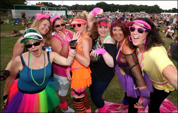 Thousands of revellers take Southampton Common back to 1980s