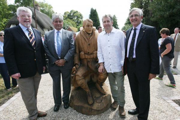 Falklands veteran Simon Weston, left, with Prof Khalid Aziz, the statue, sculptor Nick Speakman and Sir Gerald Howarth MP.Echo picture by Rachel Adams. Order no: 19045069