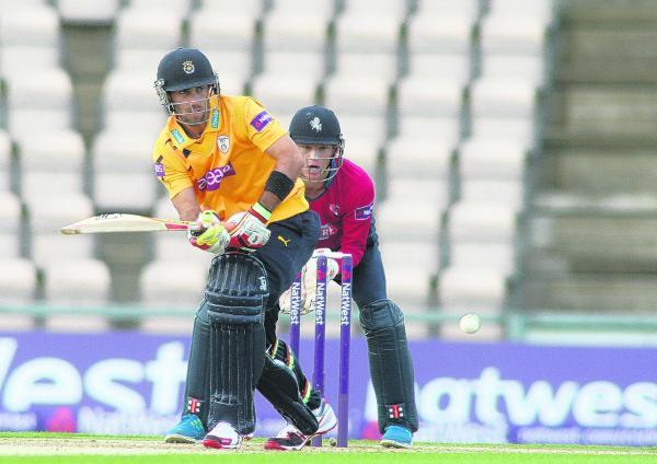 Hants hoping to hang on to Maxwell