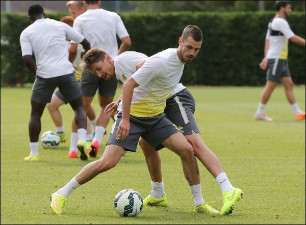 Morgan Schneiderlin in training with Gaston Ramirez yesterday.