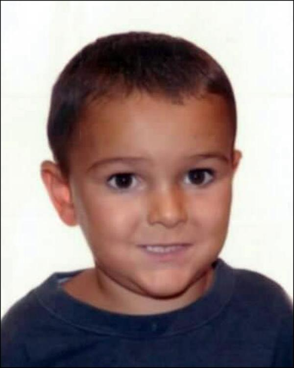 Major search for boy, 5, snatched from hospital