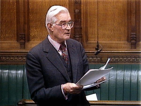 Former Hampshire MP Sir David Mitchell dies