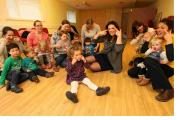 MP Caroline Nokes joins in the fun at a Lingotots class at Woodley Village Hall                      Order no: 21755029