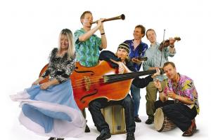 Maddy Prior and the Carnival Band to bring celebratory carols and capers