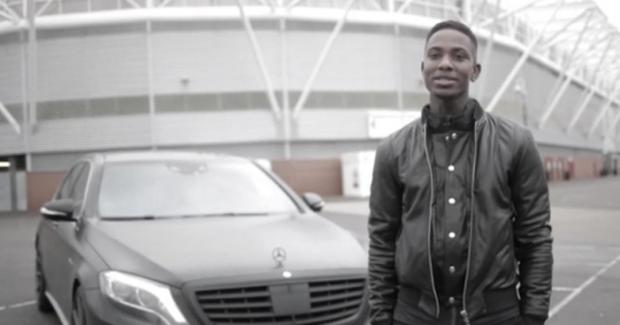 photo of Eljero Elia Mercedes - car