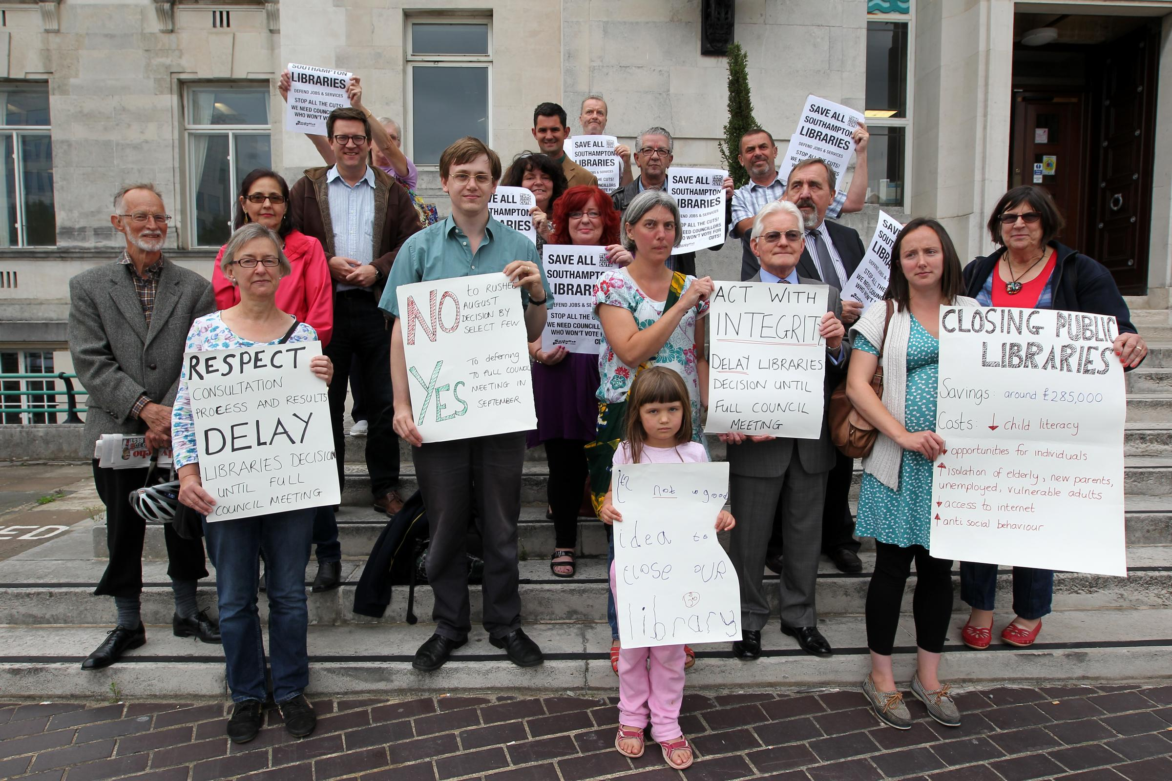 Plans to axe libraries in Southampton halted