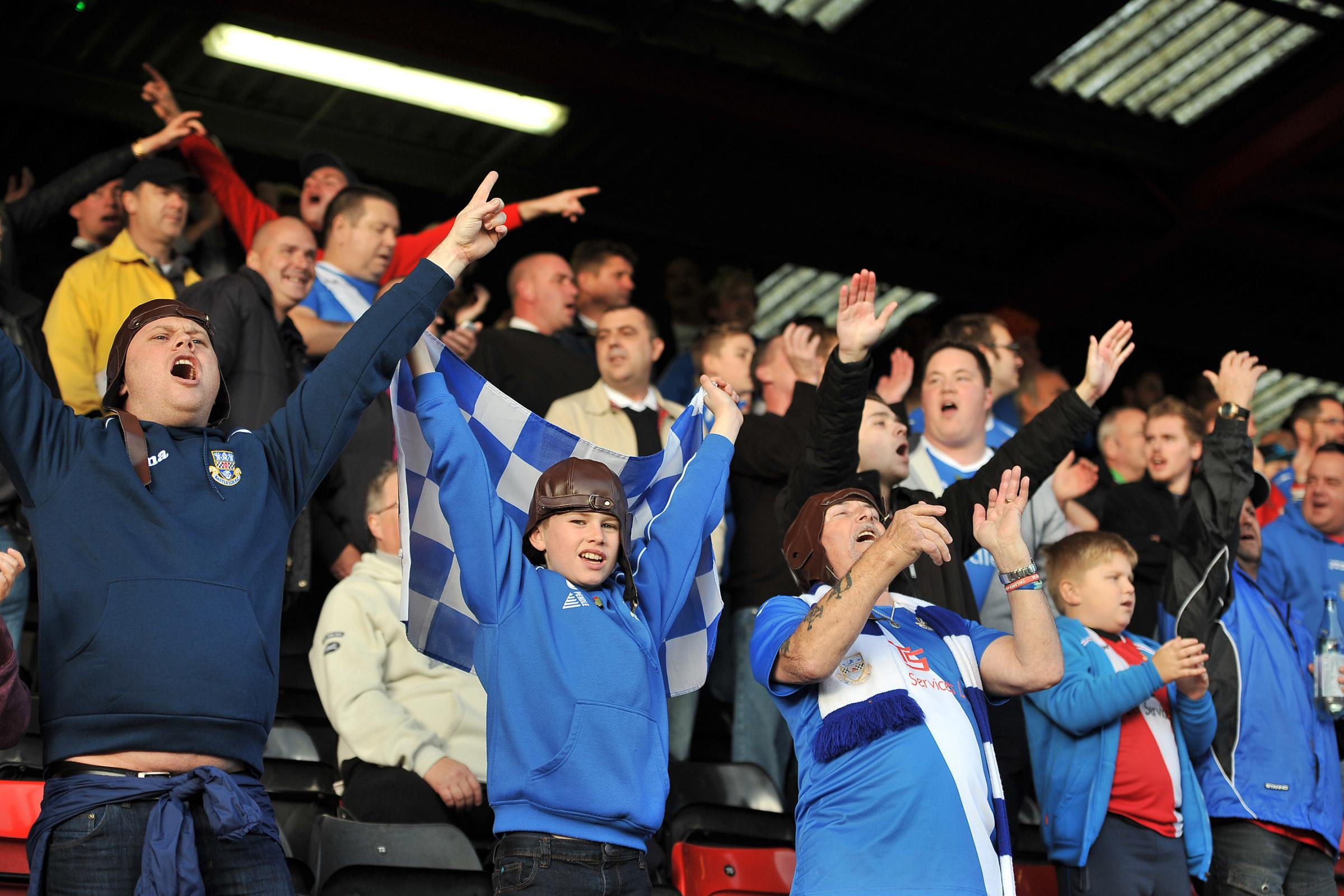 Spitfires fans in full cry at Crewe. (Picture: KT8Photography)