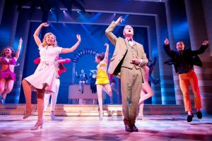 REVIEW: Dirty Rotten Scoundrels, Mayflower Theatre