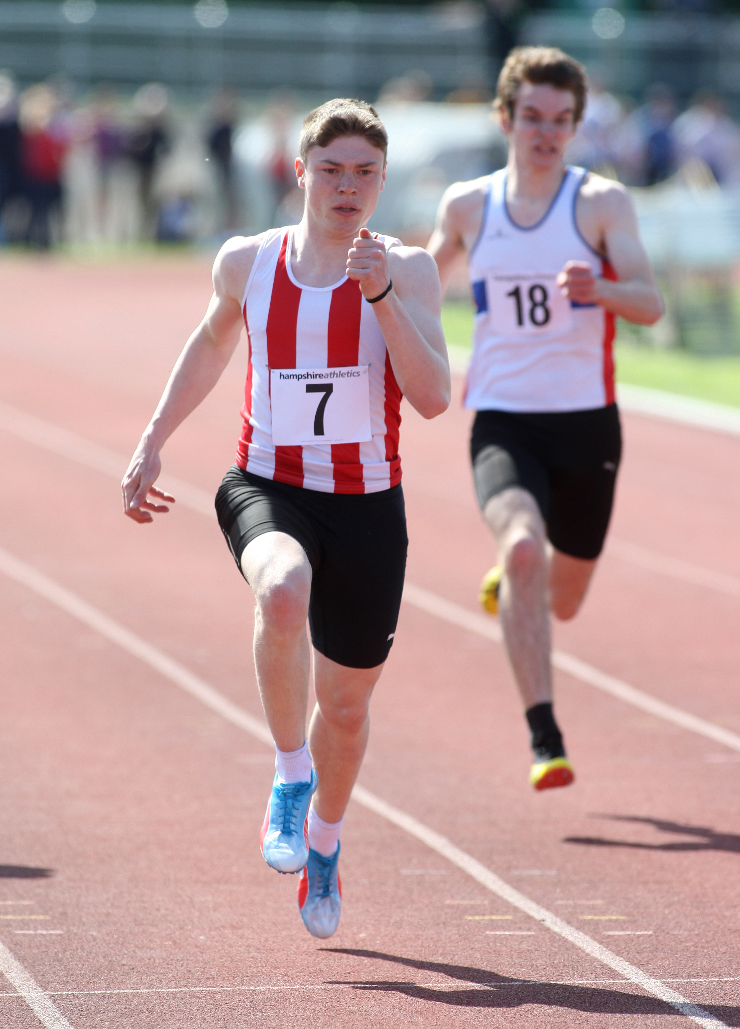 Oli Bromby (red and white vest)