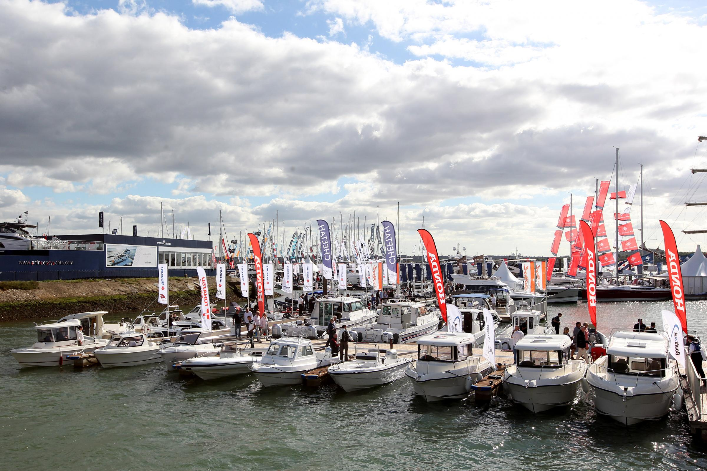 16 Sept 2016 - Photo Stuart Martin - Southampton Boatshow 2016 - General Views of the show.