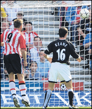 James Beattie puts Saints ahead against Manchester United in 2003