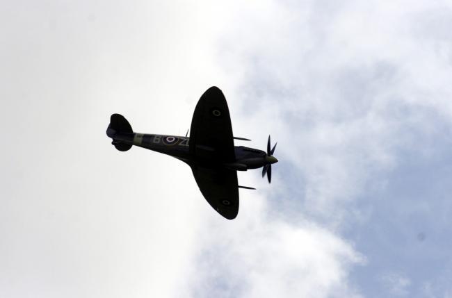 Spitfire crashes during take-off at Longuyon-Villette