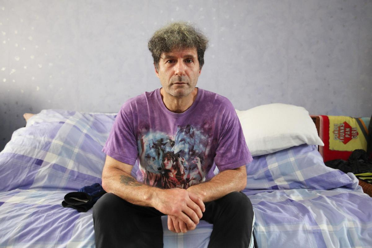 Dave Capocci's plea to be rehomed after living with bedbugs