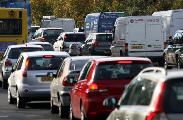 Delays of 40 minutes on main Hampshire road