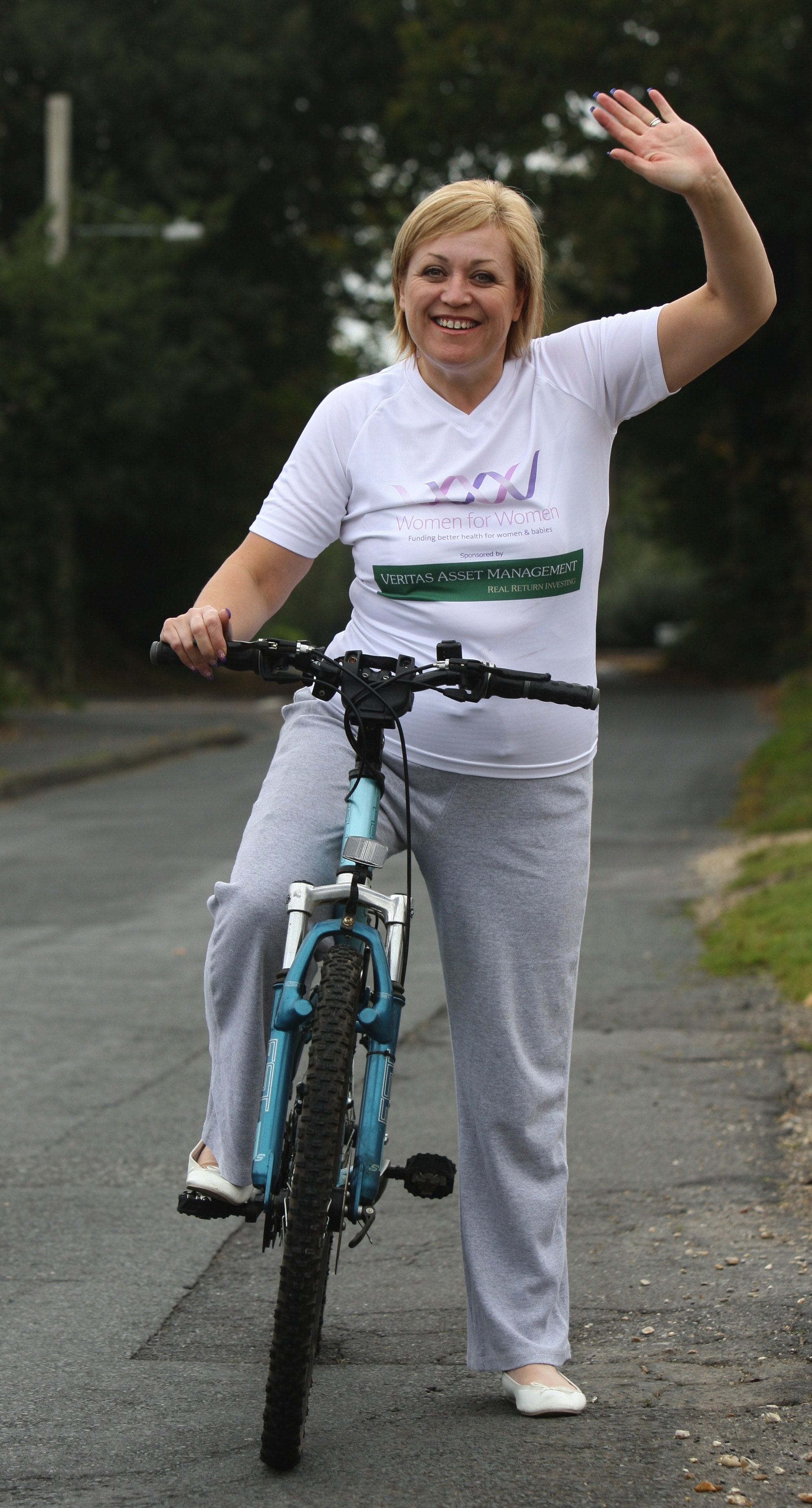 Woman loses eight stone for Cuban charity bike ride