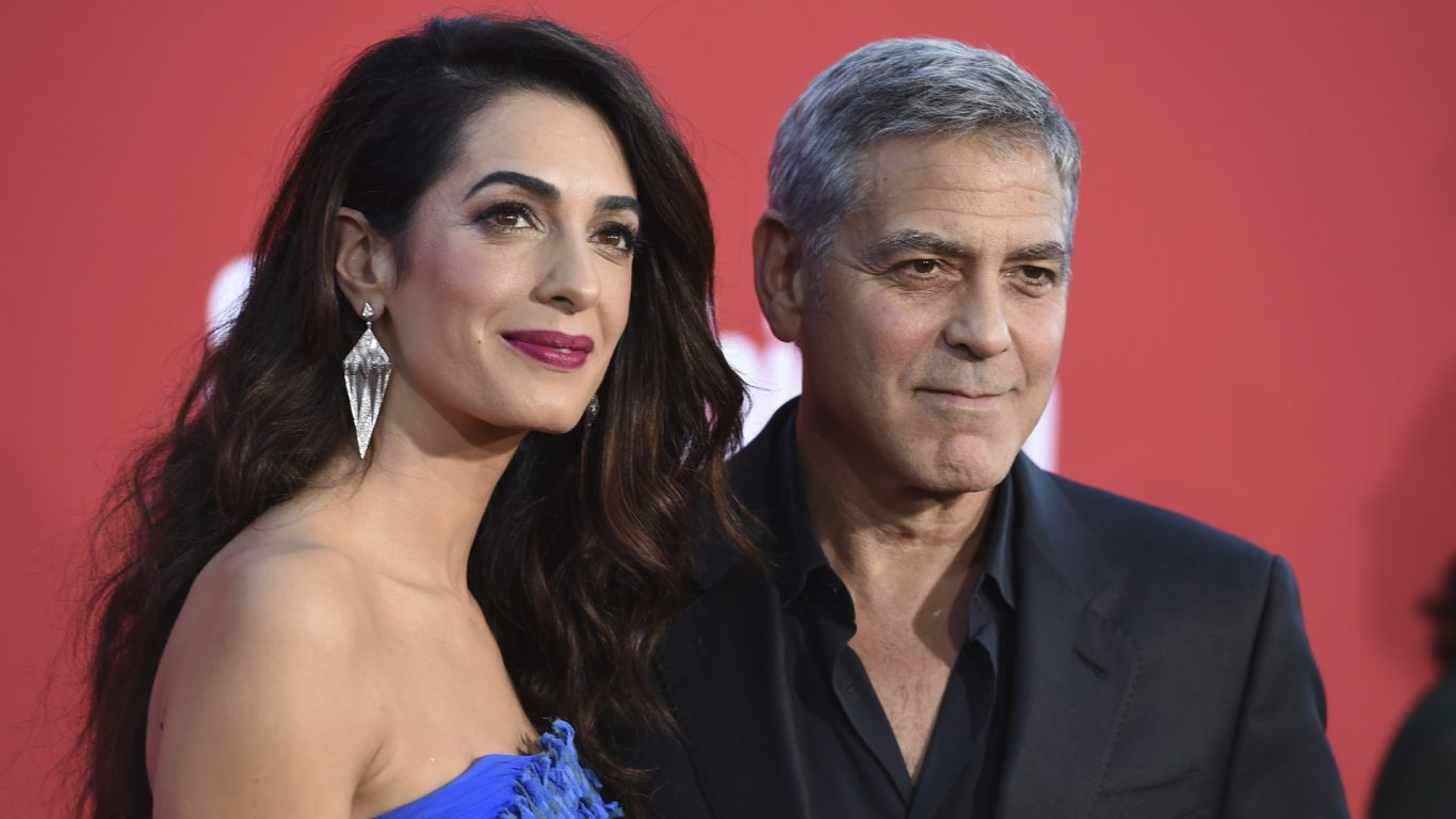 George Clooney donates a million dollars to combat corruption in Africa